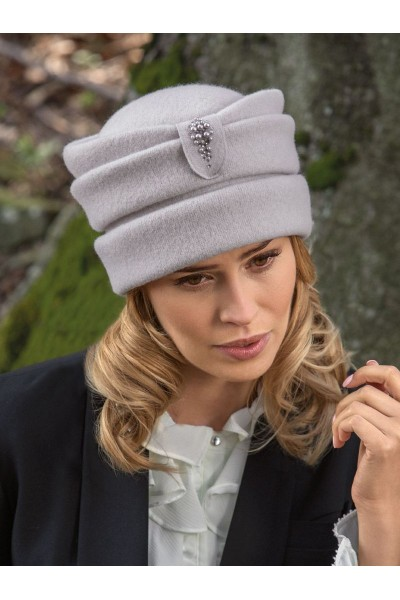 LATTI шапка женская